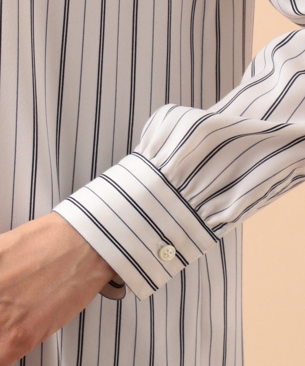 J.PRESS LADIES S 【洗える】シルキースエードストライプフリル襟 ブラウス ネイビー系1