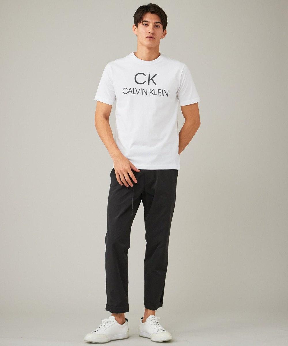 CK CALVIN KLEIN MEN 【新田真剣佑さん着用】リフレクトシグネチャーロゴ Tシャツ ホワイト系