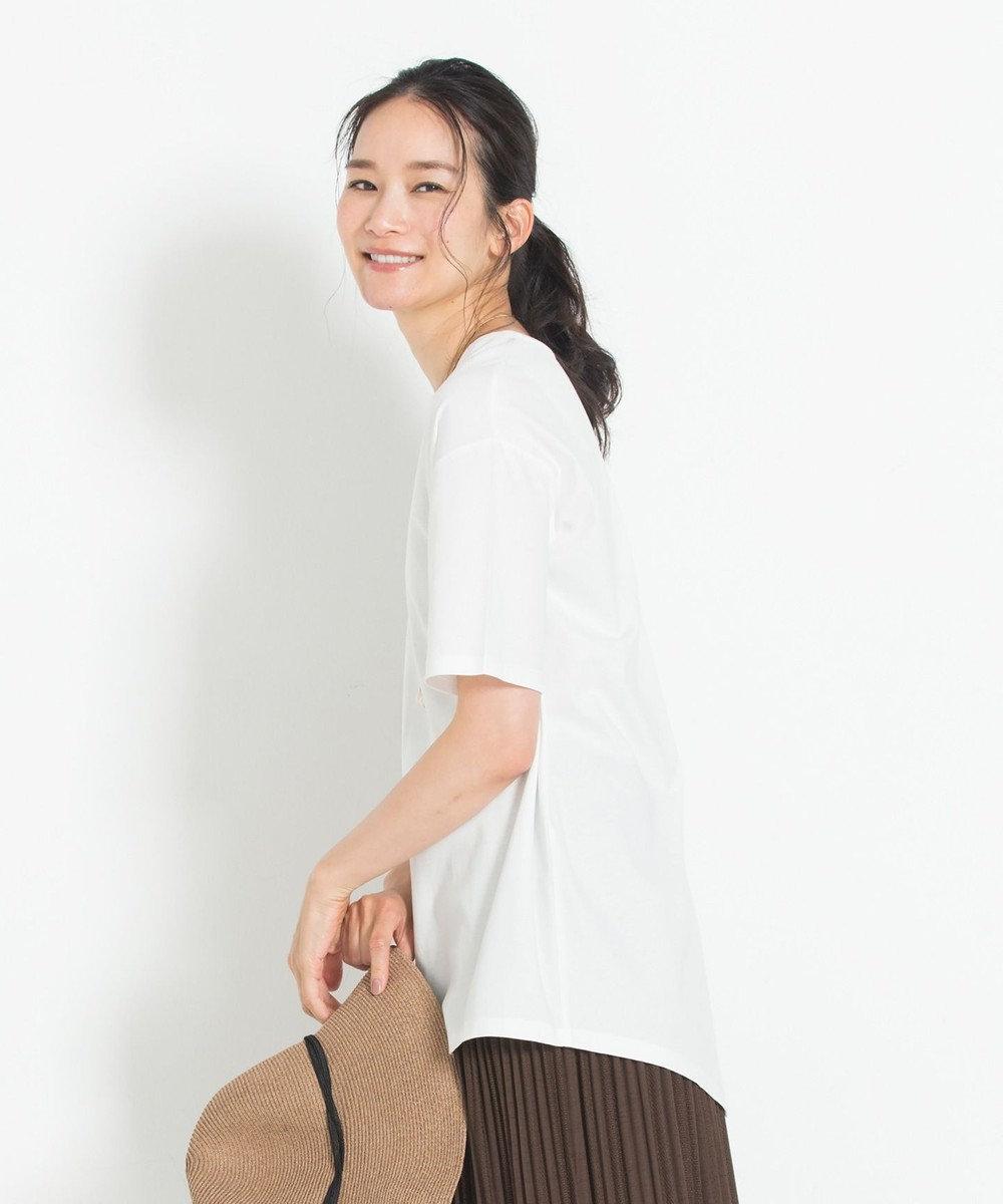 自由区 【洗える】バックスリット チュニック丈カットソー アイボリー系