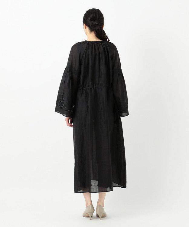 23区 【洗える】エンブロイダリーラミーワンピース