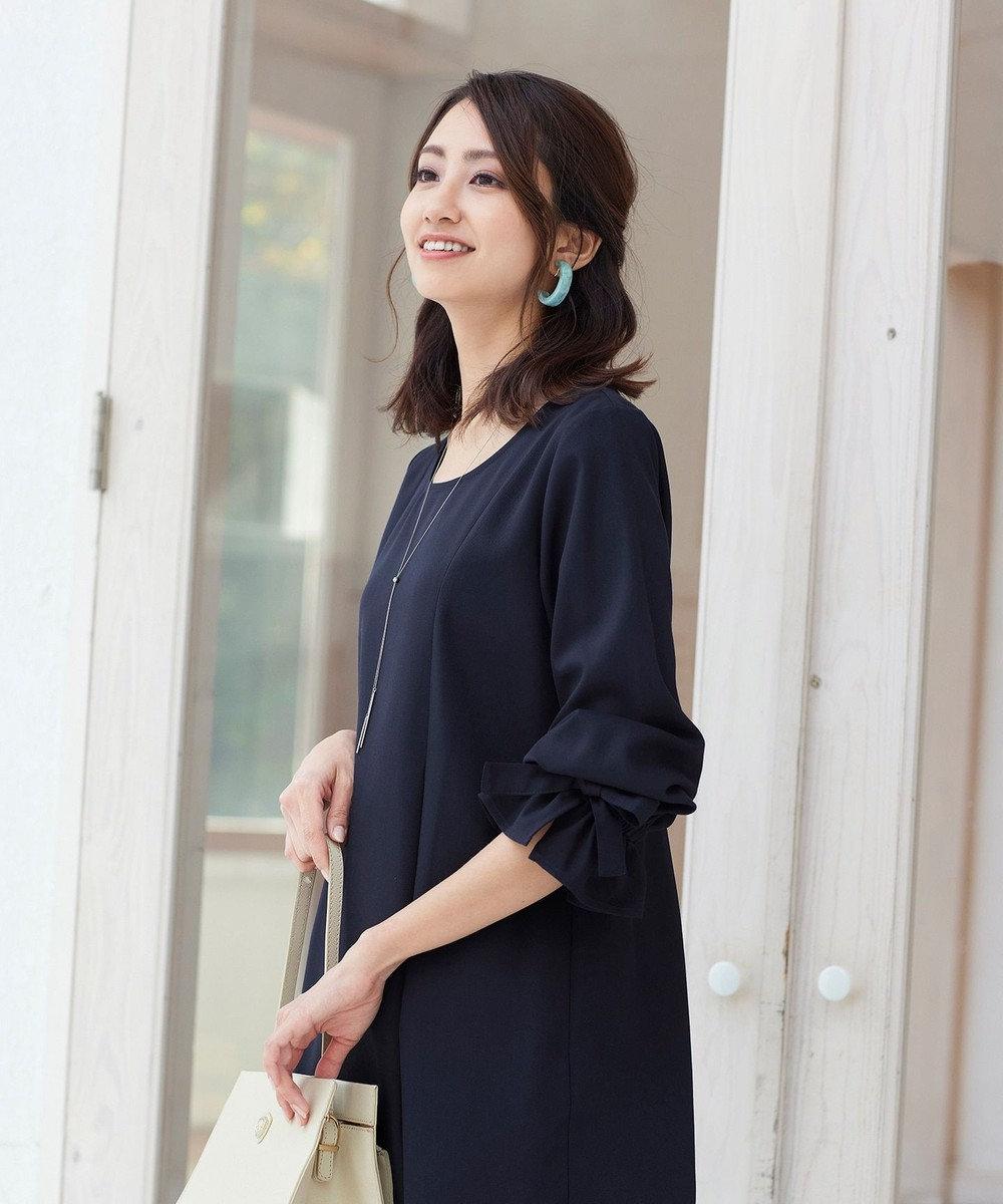 Tiaclasse 【洗える】女性らしさ薫る、リボンバルーン袖チュニック ネイビー
