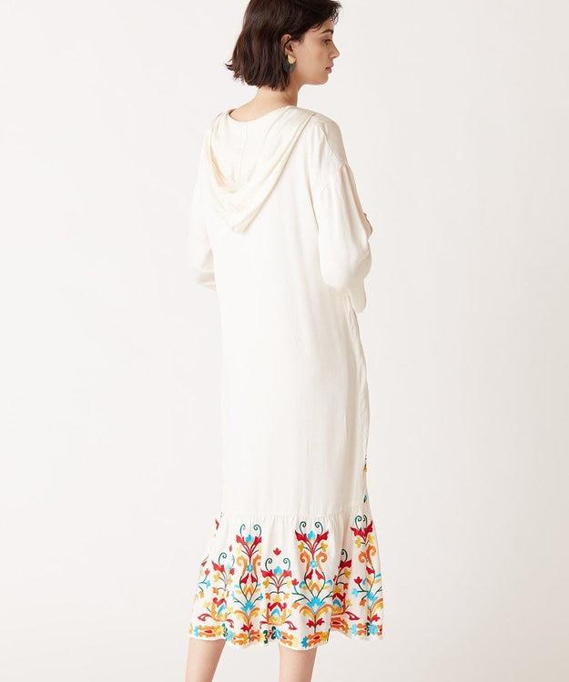GRACE CONTINENTAL フード刺繍ロングワンピース
