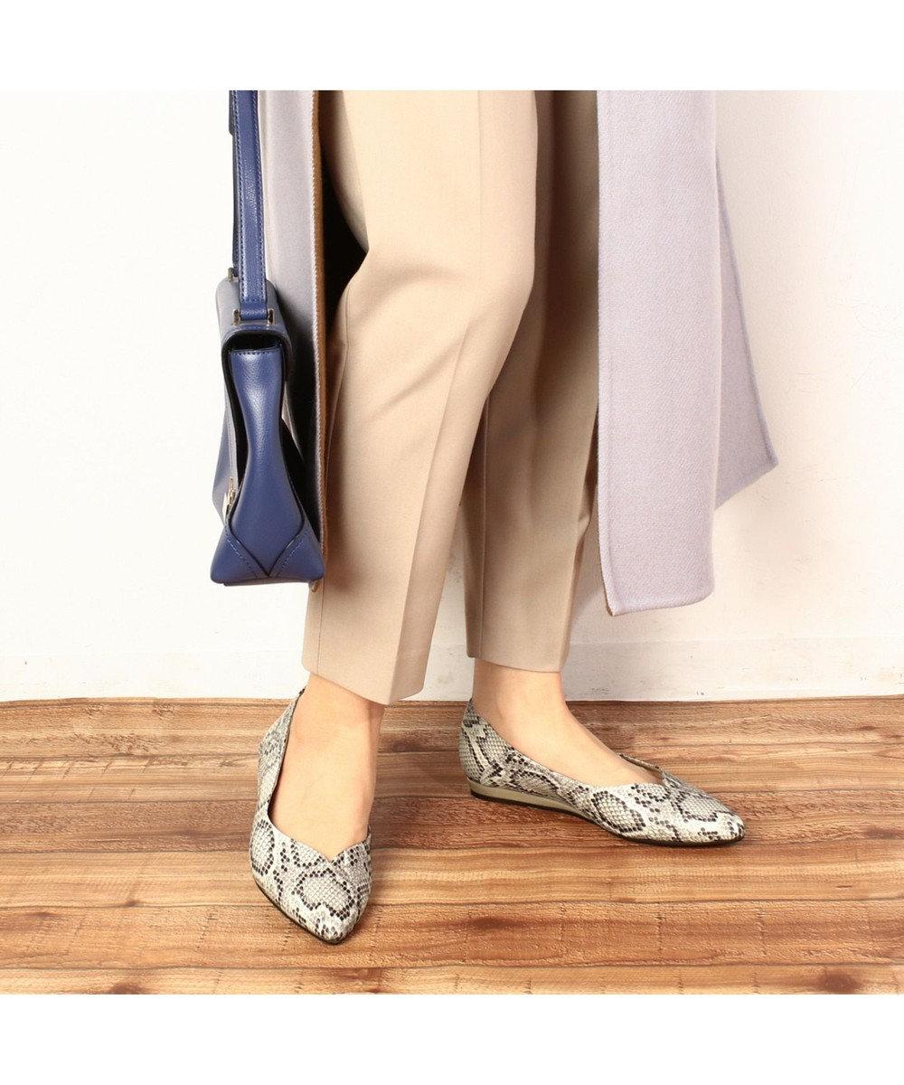 ing <ing>ポインテッドフラットパンプス オークヘビ