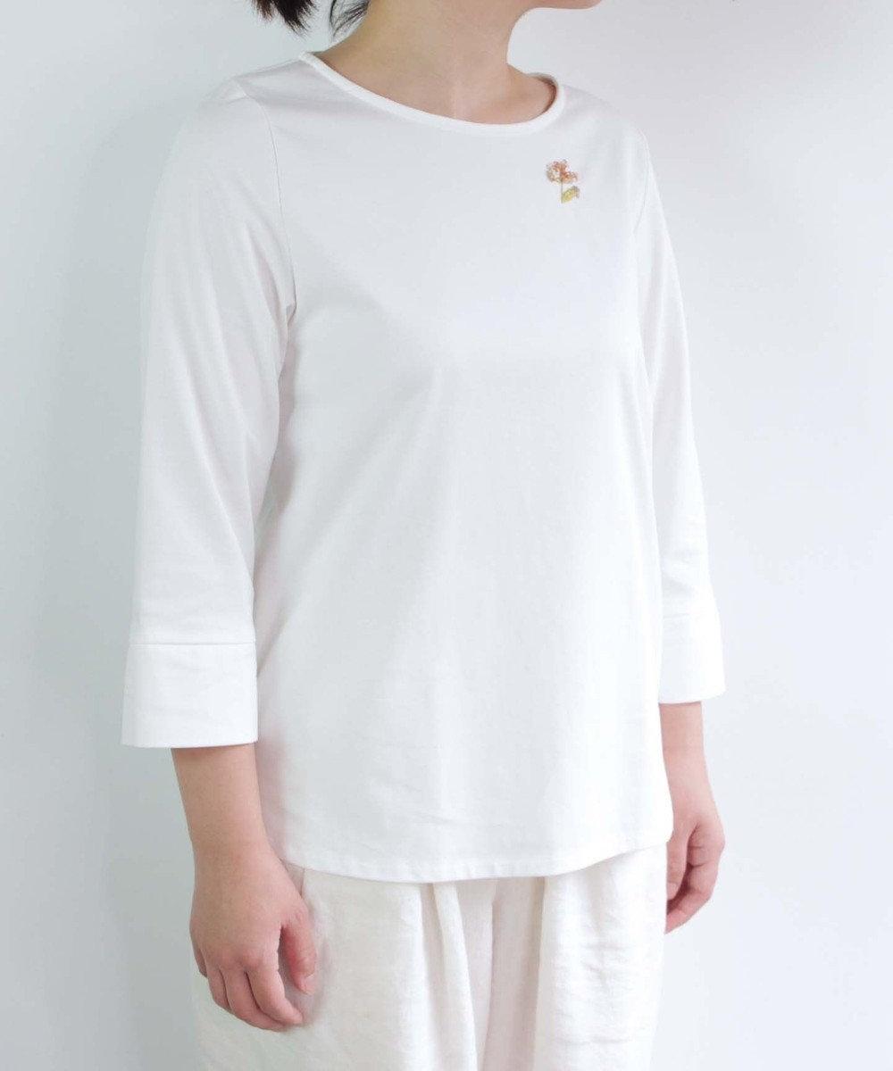 muuc 花刺繍のプルオーバー ホワイト