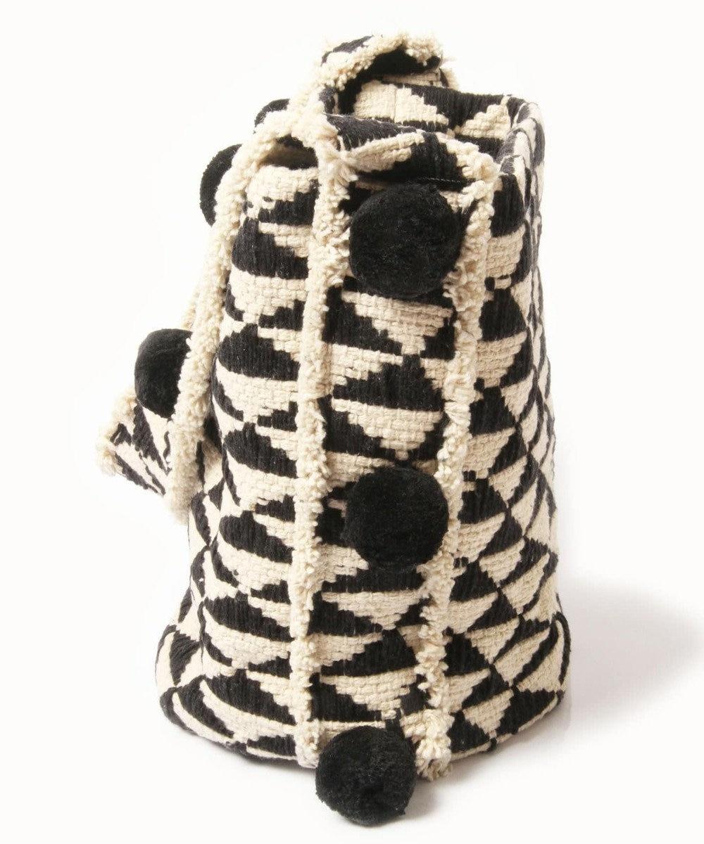 WYTHE CHARM 手織りジャガードショルダーバッグ(トライアングル柄) ブラック