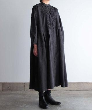 muuc 筆記帳刺繍の製品染ワンピースドレスコート ブラック
