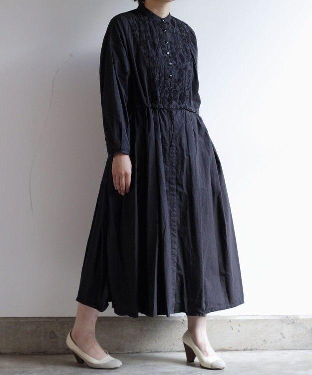 muuc 筆記帳刺繍の製品染ワンピースドレスコート