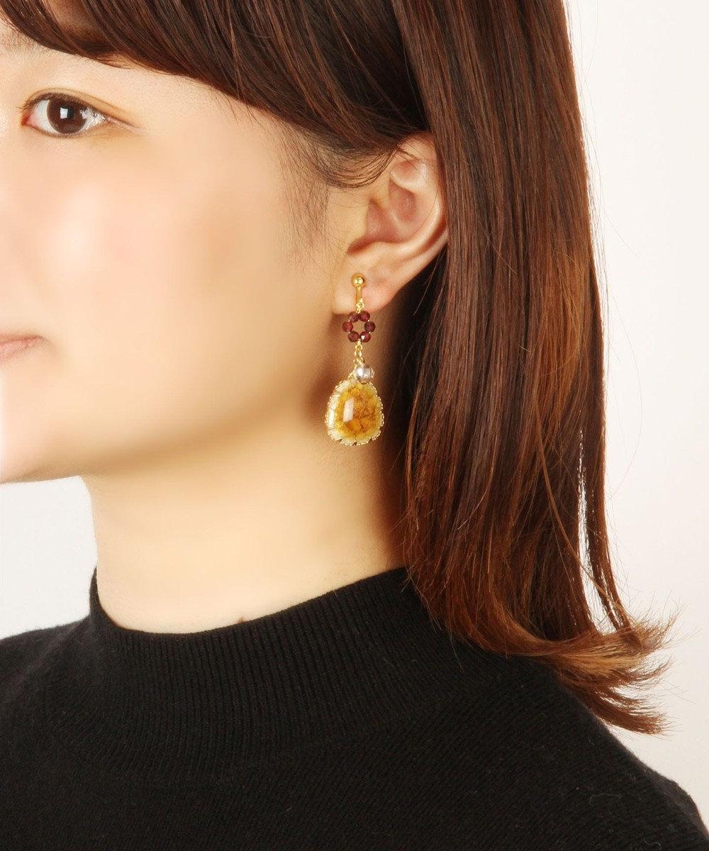 WYTHE CHARM 【1月誕生石ガーネット】ガーネット×セラミックイヤリング レッド