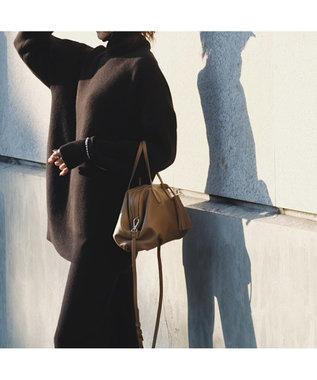 LA BAGAGERIE 【インスタグラマー・本郷智香子さんコラボ商品】フレームソフトレザーバッ キャメル