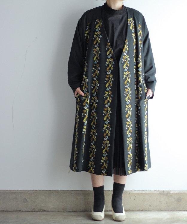 muuc 撫菜刺繍のコート