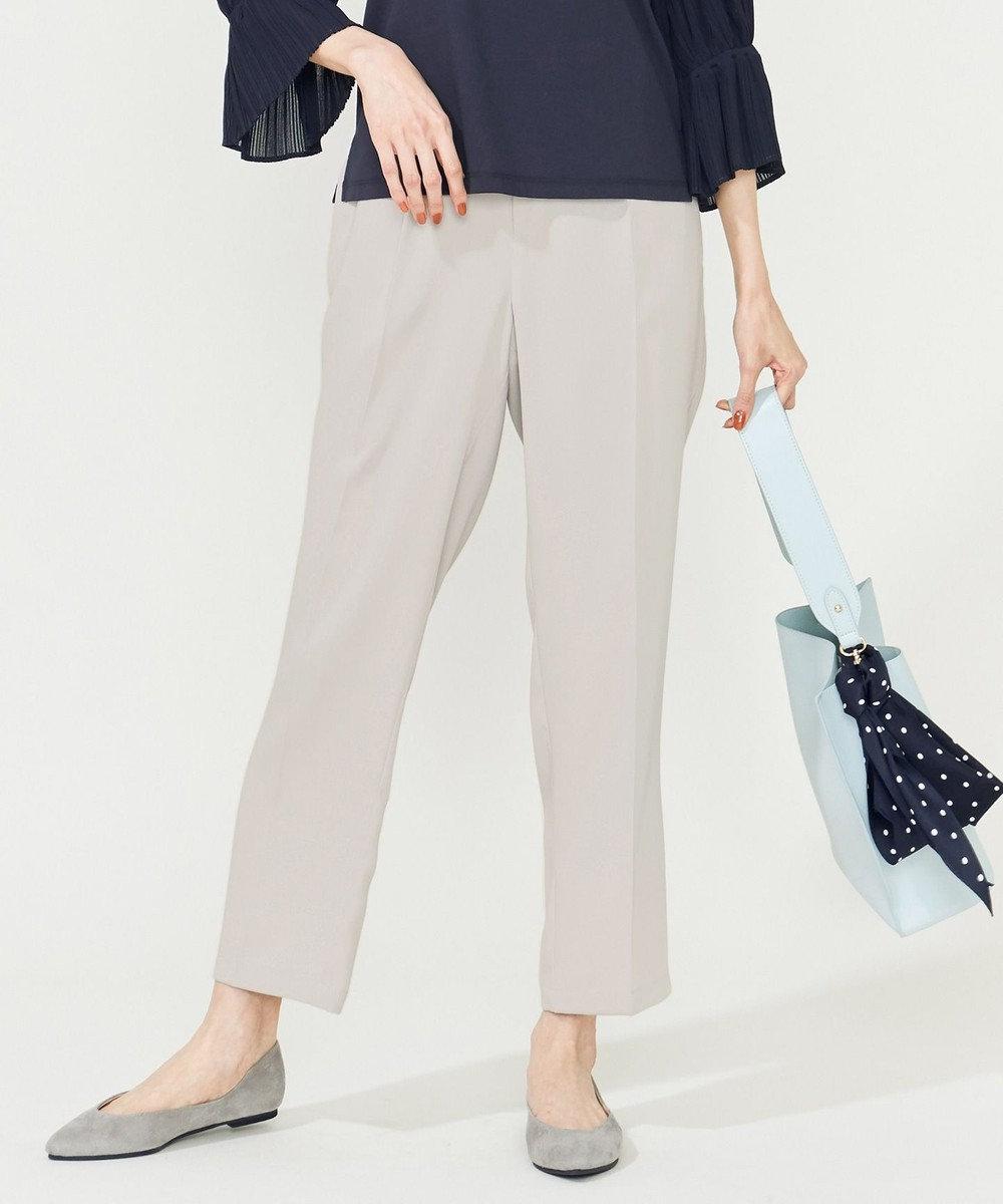 組曲 【洗える】ドレープサテン パンツ ライトグレー系