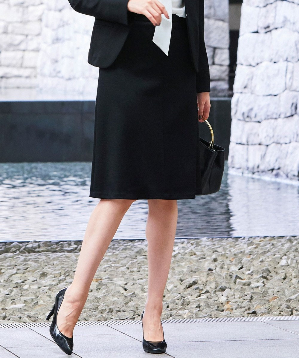 自由区 【マガジン掲載】ウォッシャブルウール セミフレアースカート(検索番号N24) ブラック系