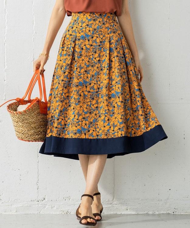 組曲 【洗える】バックサテンジョーゼット フラワープリント フレアスカート
