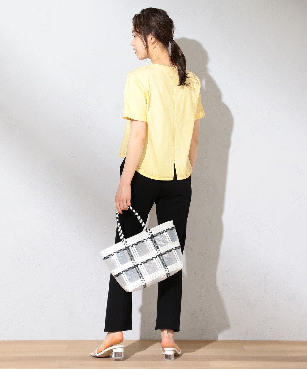 Feroux 【洗える】Flower Language Tシャツ ライトイエロー系
