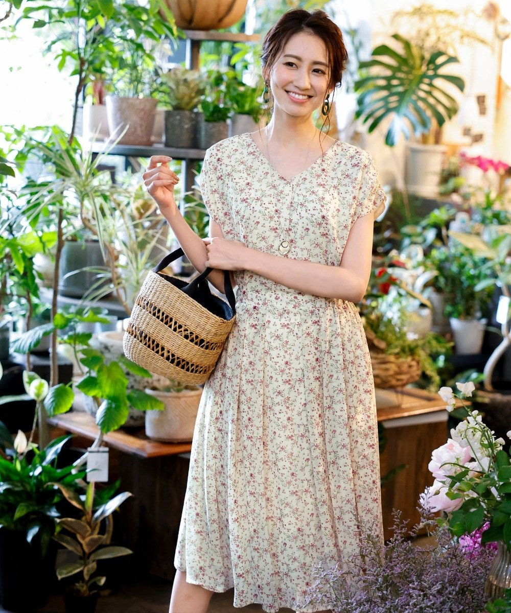 Tiaclasse 【洗える】程良い透け感のシフォン花柄フレンチワンピース オフフラワー