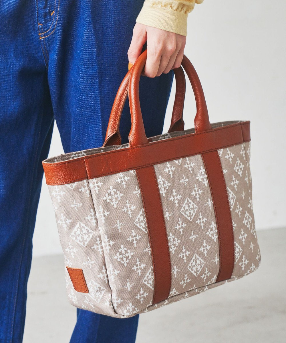 russet WEB限定【VINTAGE COLLECTION】ライントート(CE-898-WEB) Beige