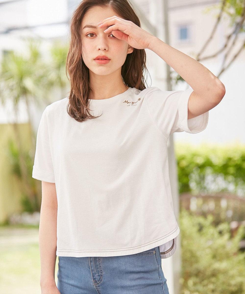 Feroux 【洗える】Flower Language Tシャツ アイボリー系