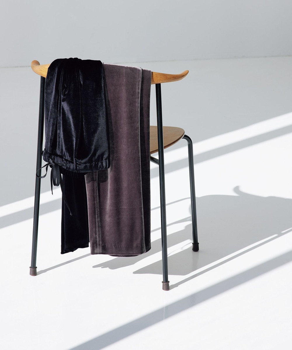 23区 【中村アンさんコラボ】リラックスストレートベロア パンツ(番号2F66) ブラック系