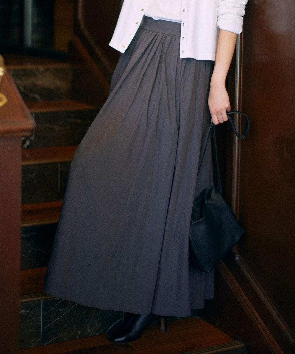 23区 【中村アンさん着用】ナイロンタスラン ギャザーマキシ スカート(番号2E26) グレー系