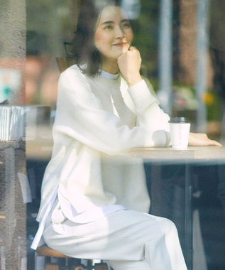 組曲 S 【カシミヤ混】スムース ニット スウェット アイボリー系