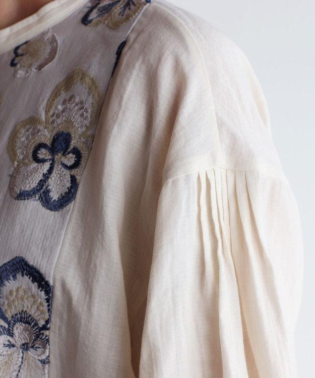 muuc ビオラ刺繍切替のプルオーバーブラウス
